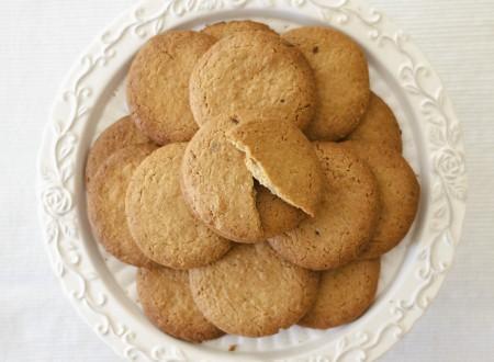 Biscotti alle noci e nocciole